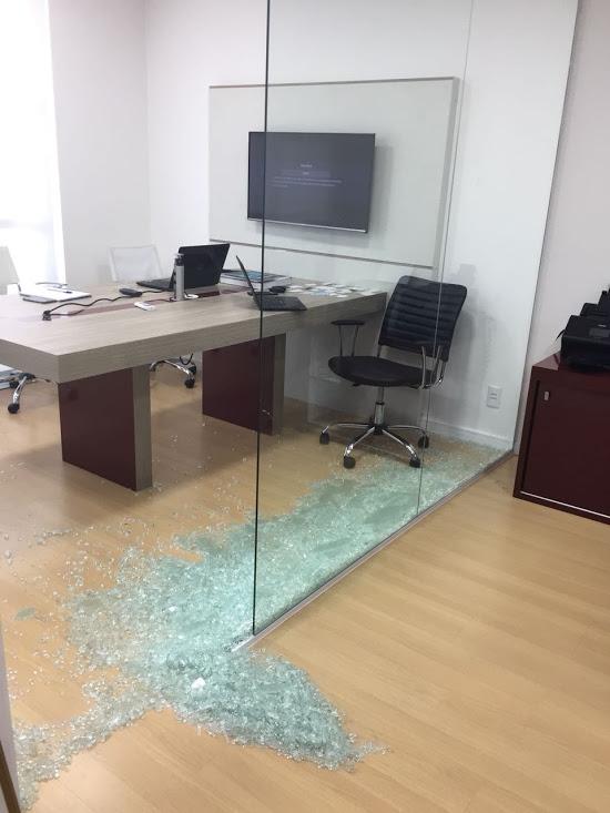 Película de segurança para vidro em São Paulo