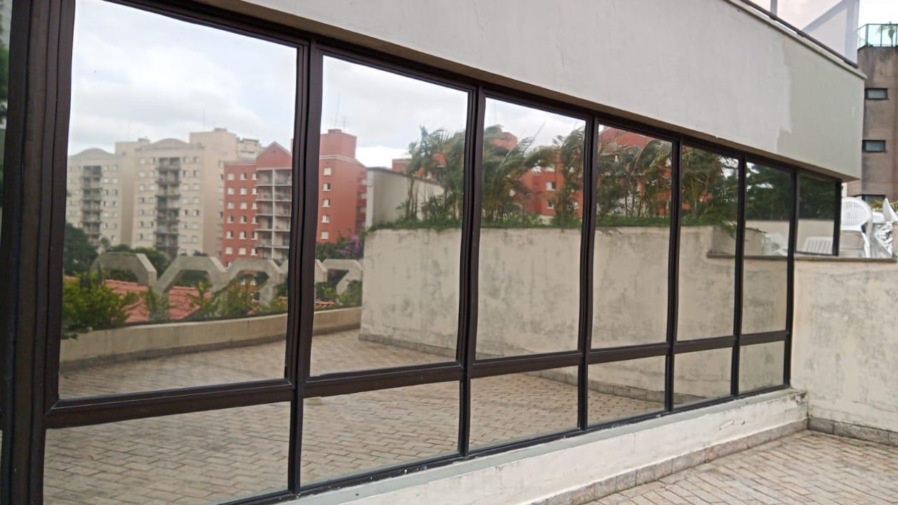 Película espelhada em São Paulo
